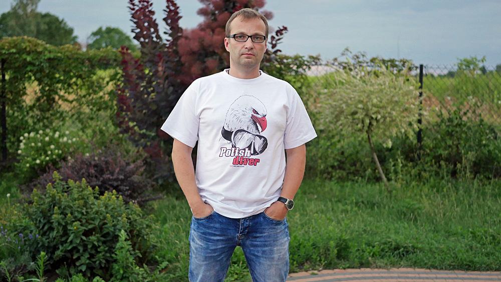 Pierwsza koszulka nurkowa